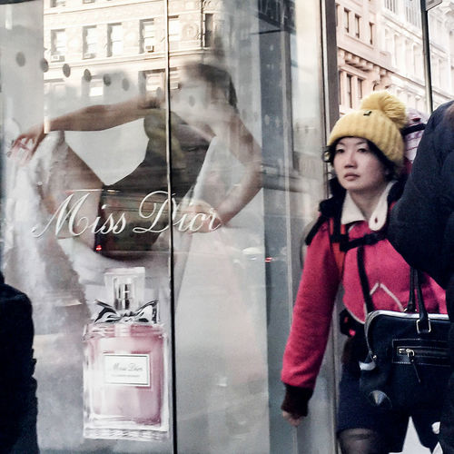 lil' Miss Dior   People Streetphotography Spring2015 Manhattan NYC Pink! Miss Dior
