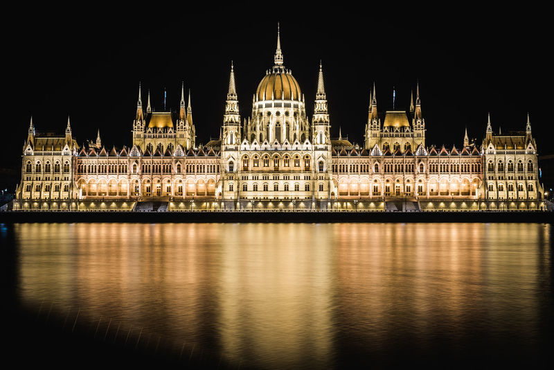 Government Politics And Government Parlament Parlamento Parlament Of Hungary Parlamento Húngaro Parlamentarium Budapest Budapest, Hungary Long Exposure Nightphotography Night Lights River Long Exposure Streetphotography Night Architecture No People Clock Tower