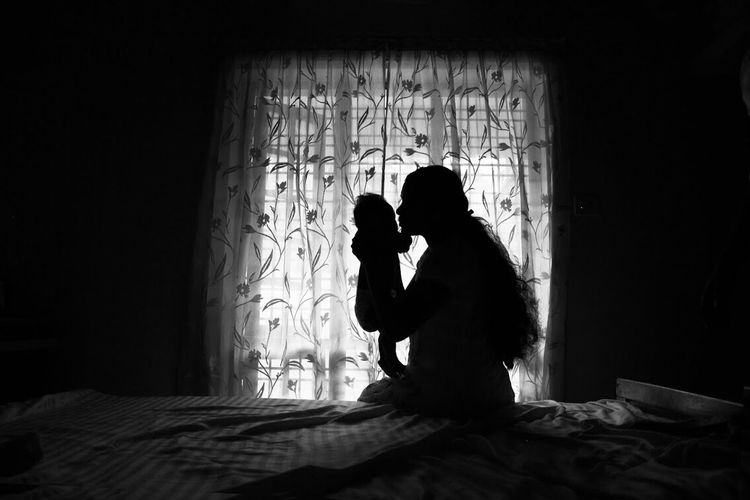 RePicture Motherhood Silhouette Mother Baby Infant EyeEm Best Shots EyeEm Best Edits EyeEm Best Shots - Black + White Love Canon Mother & Daughter Mothers Love Bundle Of Joy Babygirl Babies Silhouettes Silhouette_collection Silhoutte Photography Family Mother And Child Happiness Woman TakeoverContrast Joy Of Motherhood Child Women Around The World Mix Yourself A Good Time Black And White Friday Be. Ready. 50 Ways Of Seeing: Gratitude Capture Tomorrow Capture Tomorrow Moments Of Happiness