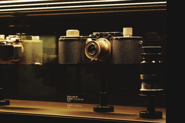 Retro Styled Technology Leica Store Leica Studio Leicacamera Old-fashioned Antique Indoors  Photography Themes Museum No People Photography Taking Photos Beauty Schooltrip Leicashooters