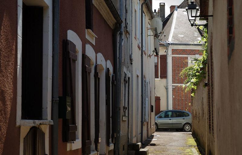 Architecture Architecture Rurale Building Exterior Château Ciel City Communication No People Nuages Outdoors Puisaye Ruelle Saint-fargeau Toitures Tour Town Village