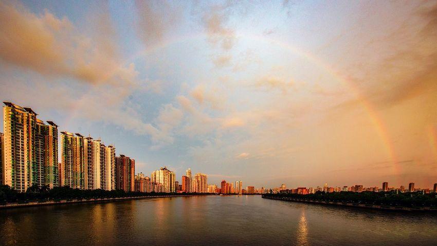 好心情(1) EyeEm Selects Building Exterior Architecture Water Sky Built Structure City