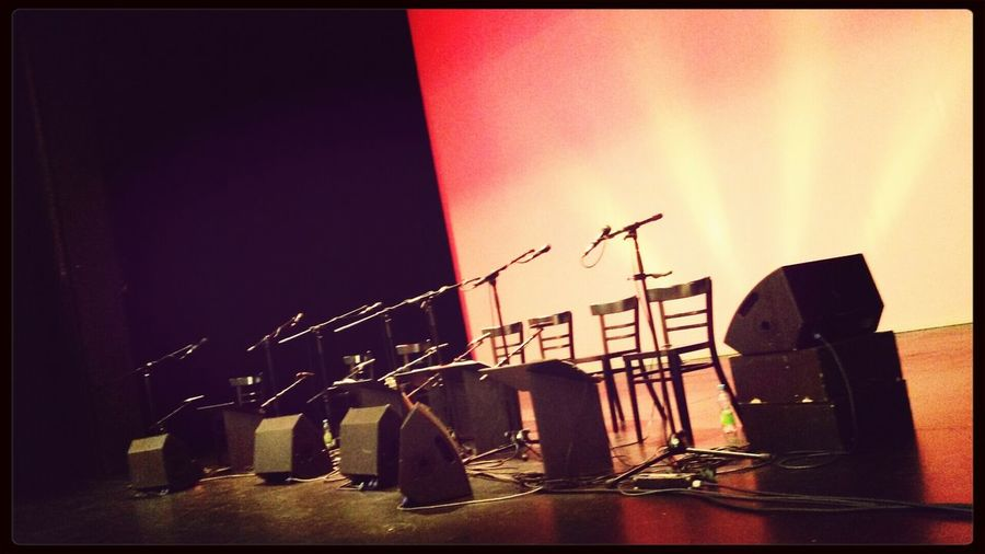 waiting for the show :-) Waiting In Concert Ukulele Uogb