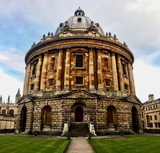 Architecture Building Exterior Built Structure Sky Cloud - Sky History Dome Travel Destinations Day Outdoors Statue No People Grass Oxford University Oxford Radcliffe Camera Radcliffecamera Radcliffe Square Bodleian Library Bodlien Library Library Old Old Buildings Old Town