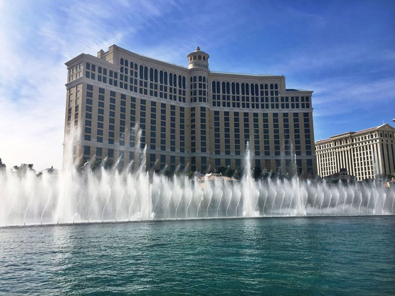 I miss Vegas already 😔 Bellagio Bellagio Fountains Fountain Fountain Show Water Water_collection Water Show Check This Out Enjoying Life Taking Photos Hello World Hanging Out Favorite Miss It Beuatiful Day Las Vegas Las Vegas Strip