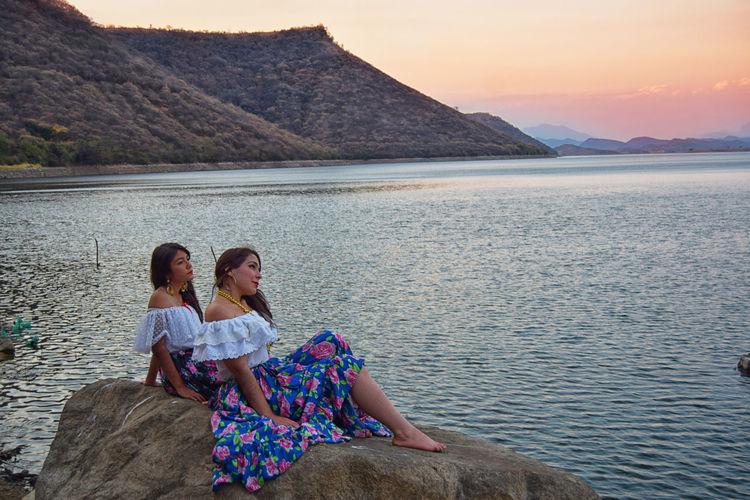 twins at the lake Twins At The Lake