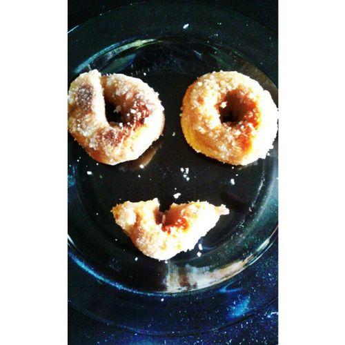 kuih keria homemade . mak @al_harith00 and @hanaazizan yg buad Kuih Keria Gula Smile sedap homemade lepak