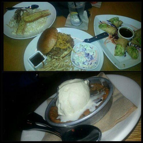 Yummy! Dinnerdate with my sissy @erikajanine and my little cousin @ashley_dz6 Bonding FamilyTime LoveThem  goodfood