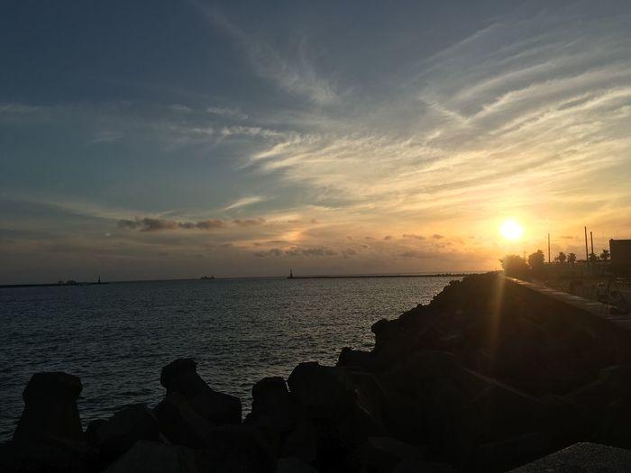 Sunny 臺灣 台湾 Taiwan 高雄 Kaohsiung 五月 May Taiwanese たかお 晴天 太陽 Sun 夕陽 海 中山大學 西子灣 うみ Sea Sky