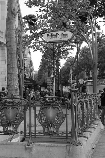 Black And White Blackandwhite City France France 🇫🇷 Metropolitan Old Paris Paris ❤