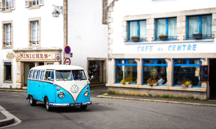 Bulli France VW VW Bulli VW Bus Cafe Car France Streets Oldtimer Pont Aven Road Street Volkswagen Volkswagen Bus Travel Be. Ready. EyeEm Best Shots Focus On The Story Adventures In The City The Traveler - 2018 EyeEm Awards