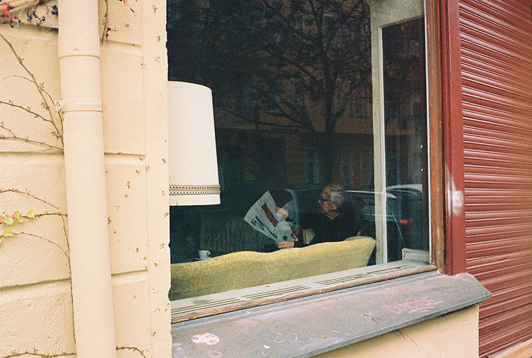 Analogue Photography Berliner Ansichten Cafe Chilling Entspanntes Glass - Material Indoor Indoor Photography Indoors  Indoors  Lesen Man Person Reading Sitting Window Window Frame Window Sill