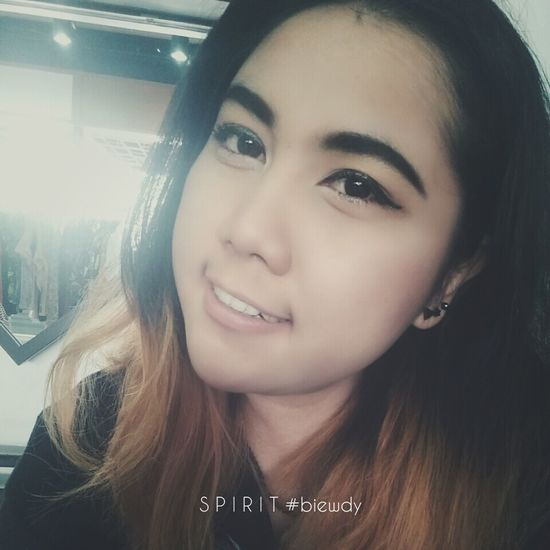 เมื่อยามที่biewdyกรีดอายเบาๆ //อยู่ร้านง่ะ //งุงิงุงิ Taking Photos Enjoying Life Hi! Hello World Makeup ♥ Biewdy Samtanwa