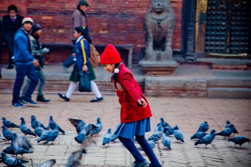 Happy New Years dear friends 💕 Moments Of Happiness Pigeons Playing Happiness Children Of The World Group Of People Real People Clothing Day 2018 In One Photograph Lifestyles Warm Clothing Child Analogue Sound Exploring Fun