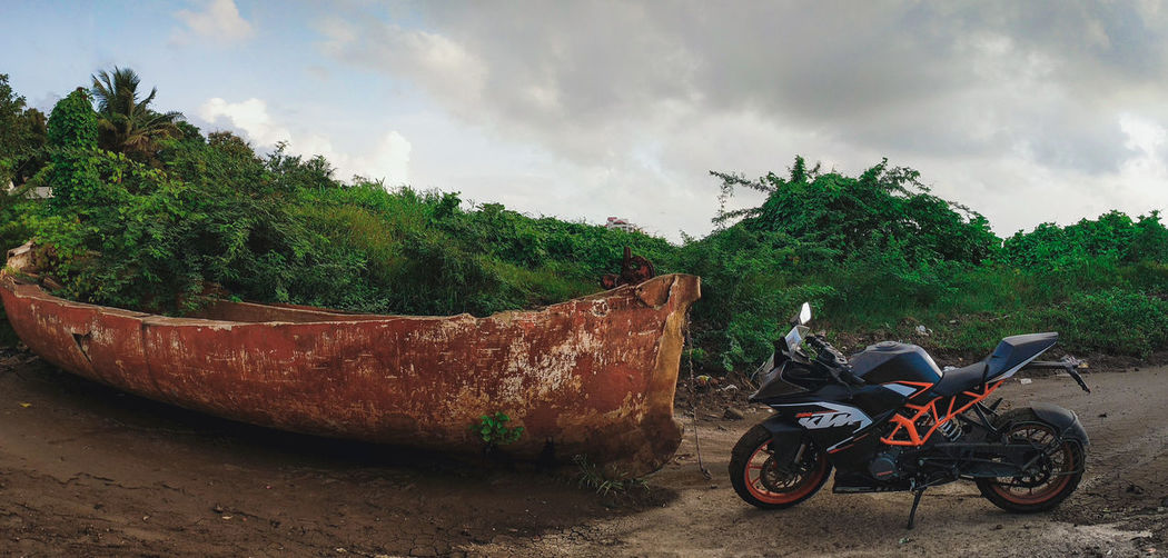 Bike and boat Day Outdoors No People Sky Driving Road India Day To Day Life Teampixel Google Pixel Bike Power Boat Wallpaper Panorama Wide Angle Ktm Ktmrc200 Racing Offroad