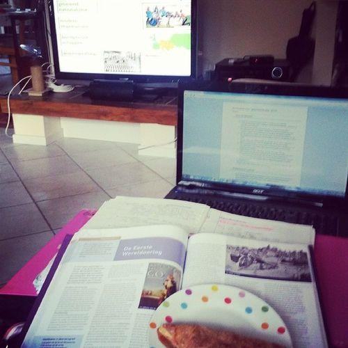 Leren voor de laaste toets in me laatste toetsweek Studying Leren Geschiedenis History