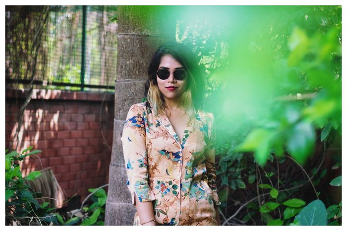 Attitude is all u need to look good! The Street Photographer - 2018 EyeEm Awards Eyremphoto EyeEm Best Shots EyeEm Selects EyeEm Gallery Eyem Gallery Eye4photography  Urban Fashion Jungle Young Women Portrait Beauty Beautiful Woman Standing Women Protruding Red Lipstick Tree Beautiful People Hippie Posing
