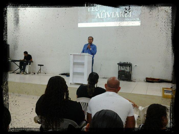 Júnior Fiesca Ministrando A Palavra Hoje A Noite No Culto De Celebração. Tema: O Descanso Chamado Jesus. Mateus 11:28-30