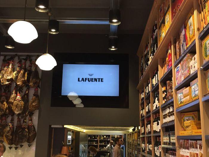 ColmadoQuílez Colmado Market Emblematic Catalunyaexperience Tourism Tour Fantastic Gourmet EnergySupportBcn @LafuenteQuilez #ColmandoQuilez #PORFIN ya están abiertos y a dos pasos en el número 65 #preciosa la nueva tienda #WOW #LafuenteQuilez Hay que Felicitar a la persona / empresa que ha hecho la nueva obra del #ColmandoQuílez, ha respetado la esencia y ha conseguido un ambiente cálido y acogedor!! Es #preciosa #congrats