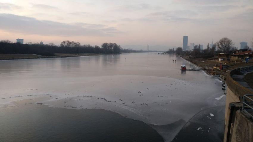 Donauinsel eingefrorren Winter Sport Snowsports Snow Covered Frozen Water Frozen River Frozen Frozen Lake Ice Cold Temperature Iceskateing