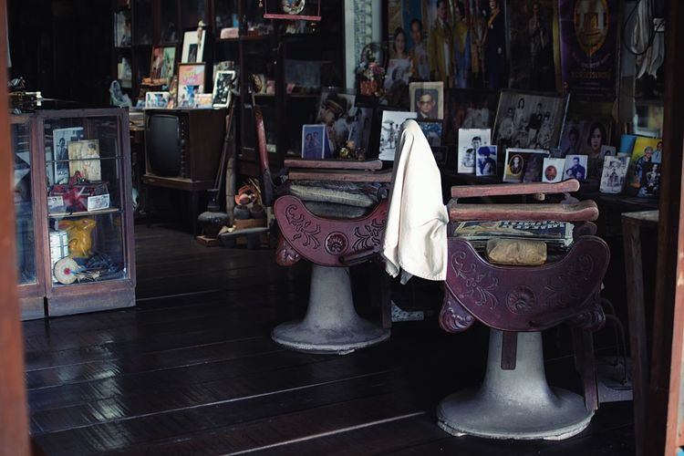 Barbers Haircut Vintage Moments Vintage Barberstyle Barber Barbershop Indoors  No People Store Retail  Choice For Sale Art And Craft Seat Still Life Craft Table