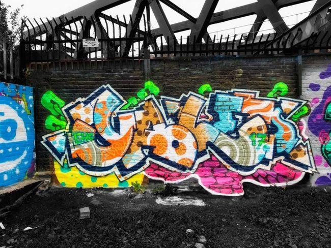 Streetartphotography Spray Paint Graffiti Multi Colored Creativity Street Art Streetart Graffiti & Streetart STRRET ART/GRAFFITI Londres London Londra LONDON❤ England🇬🇧 Urbanarts Graffiti StreetArtEverywhere Graffiti Art