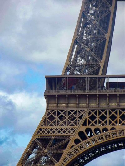 France Tour Eiffel Paris Architecture Built Structure Sky Engineering Cloud - Sky Low Angle View Travel Destinations Tourism History Metal Travel City Building Exterior Day