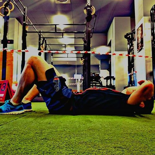 Así se termina un Murph!! Muuuuerto!!! 💀💀💀💀 Crossfit Wod Murph Pullups Pushups Squats Running Bjj Trainingismental Traininghard Pressandpullpts Workout Falldown7timesstandup8 Darumastyle