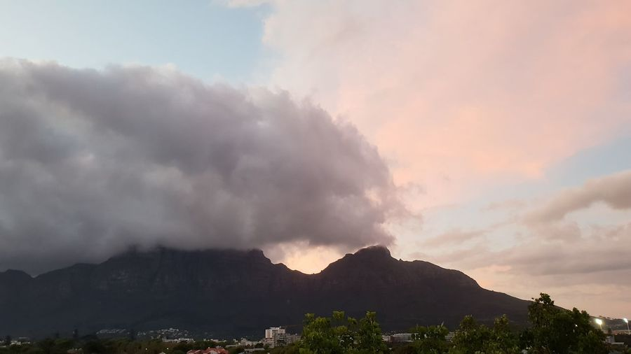 TABLE MOUNTAIN - CAPE TOWN Pink Coloured Clouds Mountain Sky Landscape Cloudscape Stratosphere Mountain Peak Fluffy