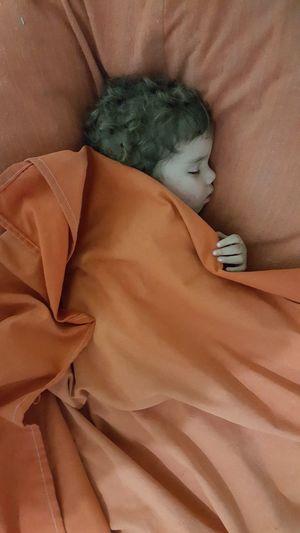 Sleep Baby Orange Blancket Dream Bed Time Portrait Bed Cairo Cairo Egypt Egypt égypte