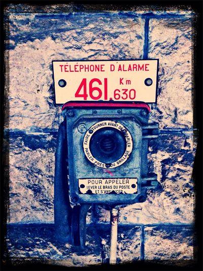 Ancien telefon pour alarme Urban Architecture