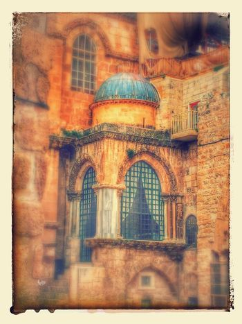 💫The Church Of The Holy Sepulchre In East Jerusalem - Taken In 2015 On A Tour Of The Holy Sites Of The City 💫 Architecture Church Churches Building Exterior Built Structure Place Of Worship Holy Land Church Architecture Christianity Jerusalem Holy City Old Church