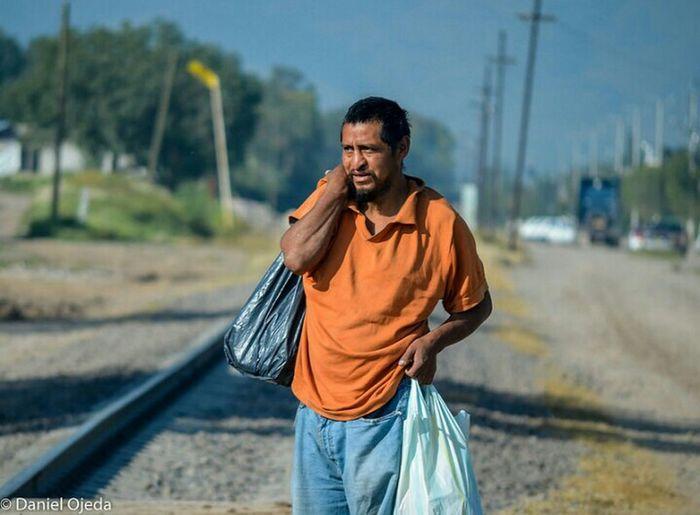 Migration migracion Hanging Out Migrant Workers Migracion Migrantes
