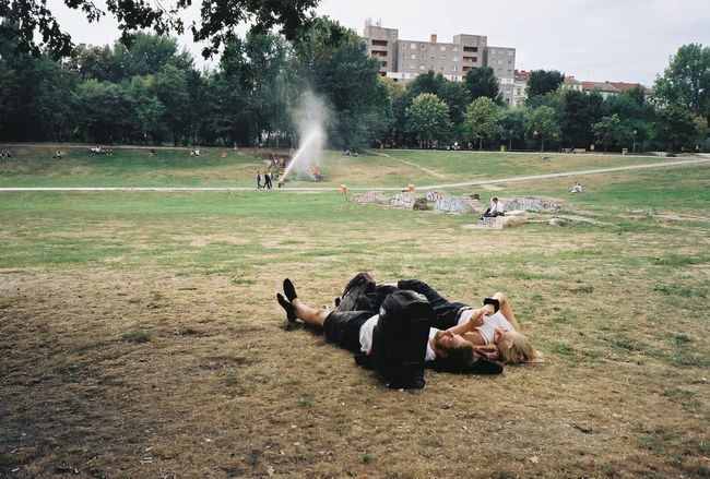 Film Film Photography 35mm Film 35mmfilmphotography Ishootfilm Berlin Analog Analogue Photography Real People Lying Down Park Relaxation Land Togetherness Enjoyment Outdoors People Lying On Back Lifestyles Leisure Activity Relaxing City City Life Couple Couple - Relationship