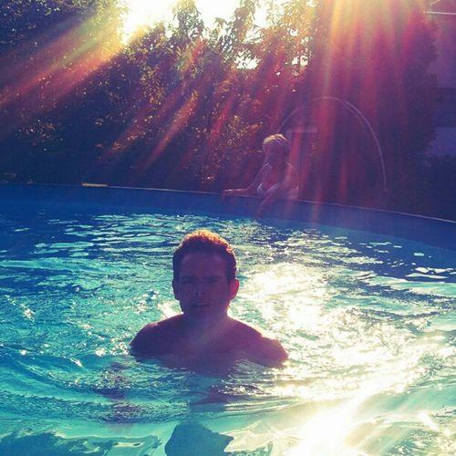 #Juicy_lemontree is #swimming like a #duck. lol. #swimmingpool Swimming Duck Swimmingpool Juicy_lemontree