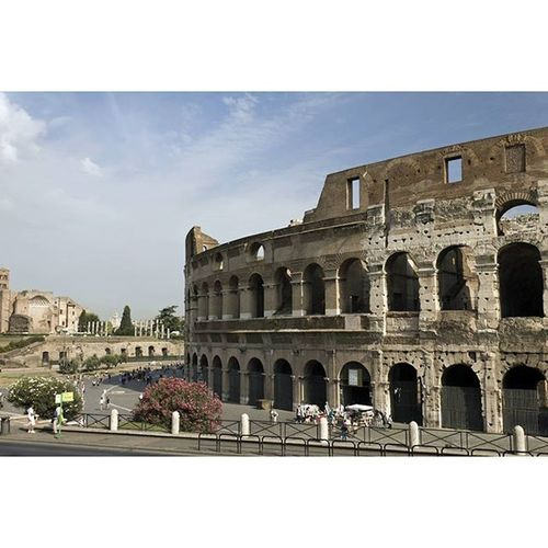 Colosseo Colosseum Ruins Amphiteatro Architecture Arches Rome Myrome History Lifeasiseeit Johnnelson