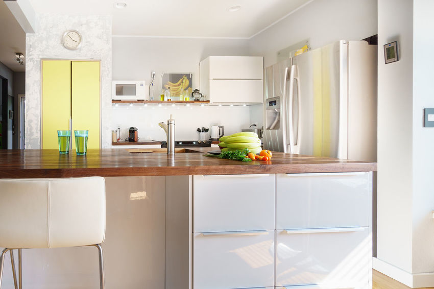 Interior Design photography: a modern style white kitchen White Kitchen Appliance Cabinet Day Domestic Kitchen Domestic Life Domestic Room Home Interior Home Showcase Interior Kitchen Kitchen Counter Modern No People Real Estate Photography