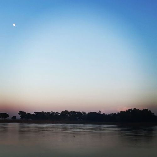 Riverside Sangu Moon Evening instashot instashare