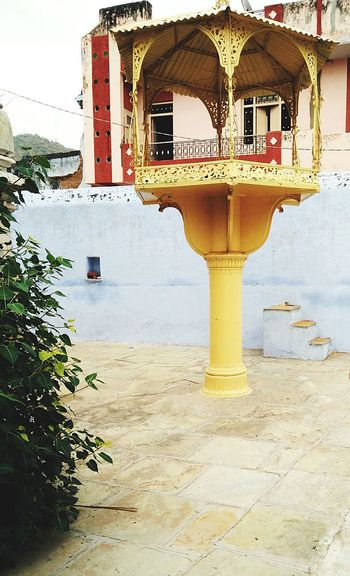 India Rajasthan Sirohi Yellow Temple Rajasthandiaries Yellowhighlight EnjoytheNewNormal Contrast Chanceencounter Myyearmyview