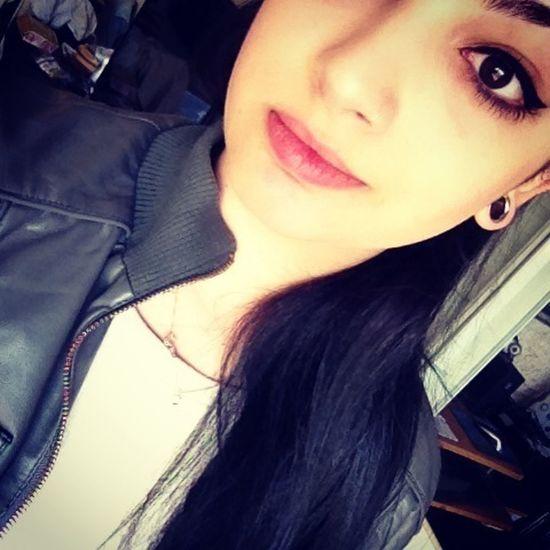 Helloworld Piercing Girl Smile