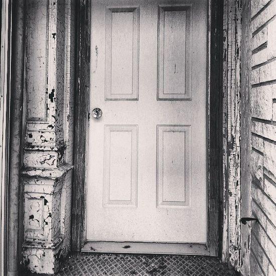Old Black And White Door Paint Classic Streetview Monochrome Photooftheday Bnw Picoftheday Monoart Streetshot Bestoftheday Doorways Peeling Nebraska Bnwbutnot PhotoShare Beatrice Bnwoftheday Trailblazers_rurex_bnw Cafe_noir Noire Peeling_paint Bnwalma Streetalma Bnw_stingray Bnw_power Found_art Nocolorneeded