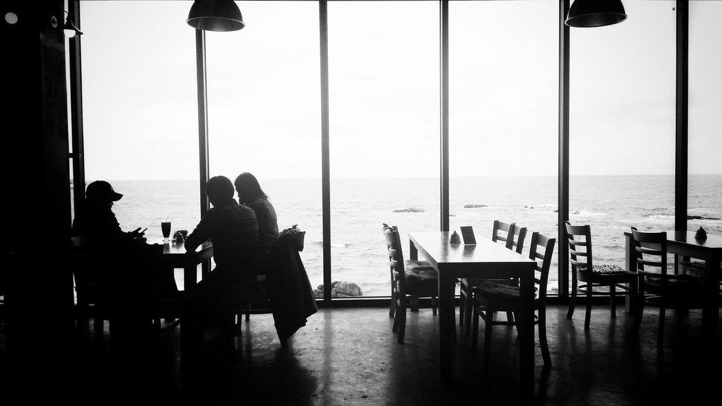 바다가 보이는 카페 Epuegraphic