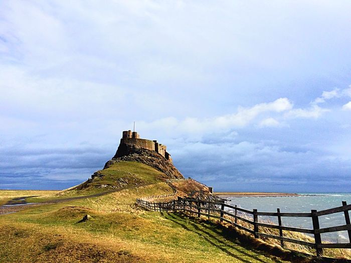 Holy Island Northumberland Castle Ruin Ruins Fence Coast Coastline Rugged Travel Travel Destinations Nature Nature_collection Natural Beauty EyeEm Best Shots EyeEm Best Edits Lindisfarne