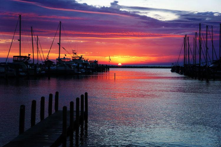 Summer Views Fun Lake Boating Sailing Sunset
