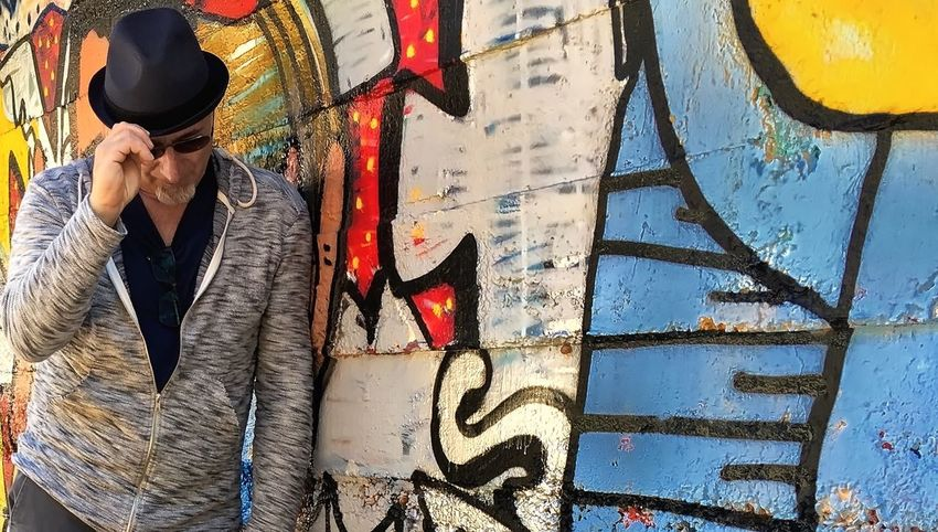 Barcellona color wall Casual Clothing Colors Of Life Day Leisure Activity Lifestyles Multi Colored Murales Muralesart Outdoors Streetart Wallpainting People And Places