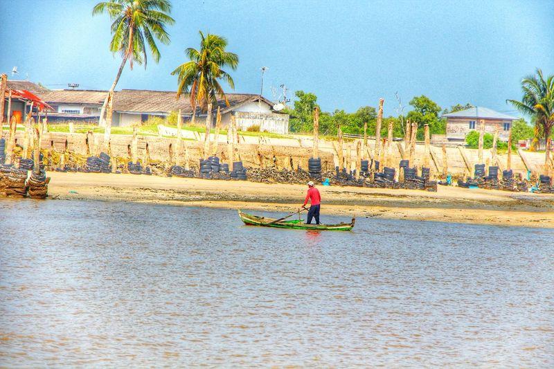 Street Photography Human Interest Fisherman Travelensa EyeEm Indonesia EyeEm Best Shots