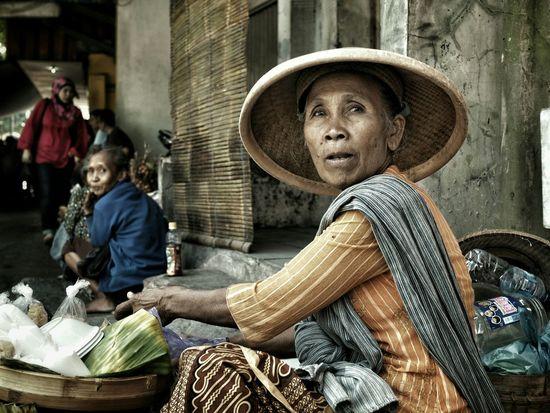 Streetphotography Everybodystreet Humaninterest Surakarta