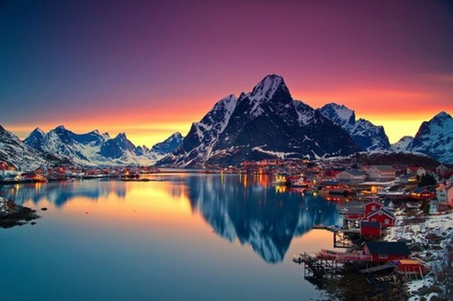 Amazing Life House Sky Colorful Blue Red Purple Colour Blind Mountains Lake