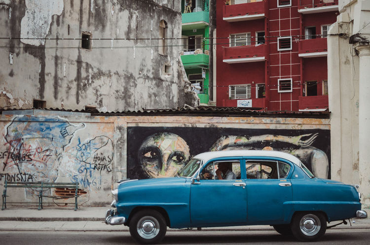 Murales Habaneros Cars Havana, Cuba Architecture Building Exterior Built Structure Car City Day Graffiti Old Outdoors Real People Streetphotography Transportation
