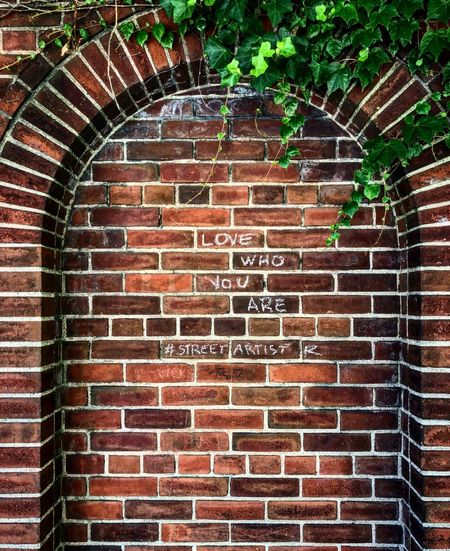 New York City New York Graffiti Wall Architecture Brick Brick Wall Built Structure Day No People Wall - Building Feature Arch